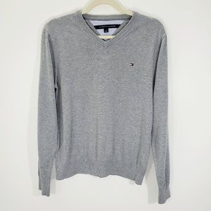 Tommy Hilfiger Men's Gray V-neck Pullover Sweater